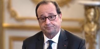 French president Francois Hollande is pictured during a meeting with the French Foreign Affairs Minister and figures from the cultural world and members of associations committted to peace in Syria, on October 14, 2016 at the Elysee presidential palace in Paris