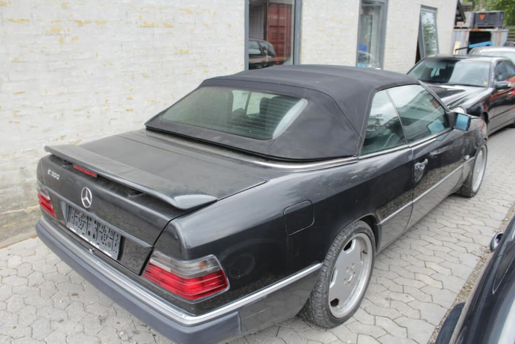 Mercedes 124 300CE-24 Cabriolet