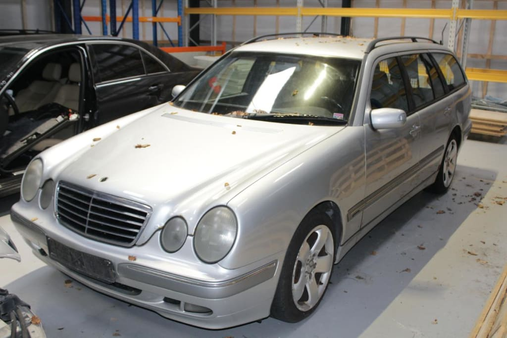 Mercedes 210 E220CDI St.Car
