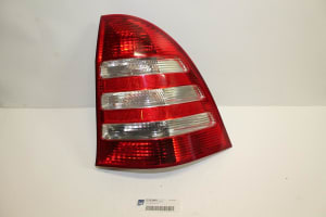 TAIL LAMP RIGHT 05->