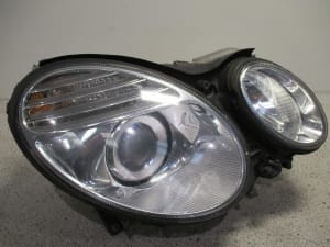HEAD LAMP RIGHT XENON