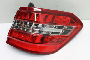 REAR LAMP COMBINATION