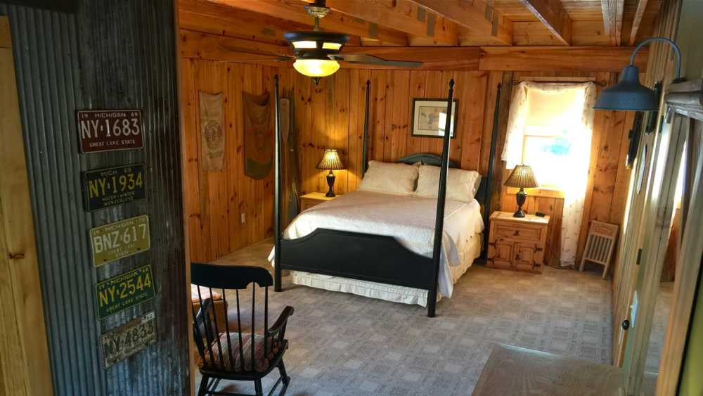 Upstairs Queen Bedroom with Reading Area