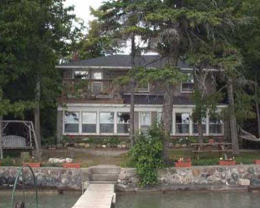 presque island singles Lake erie cottage rentals, presque isle cottage rentals, erie cottage rentals from kelso beach rentals kelso beach rentals has been providing quality private cottage rentals along lake erie.