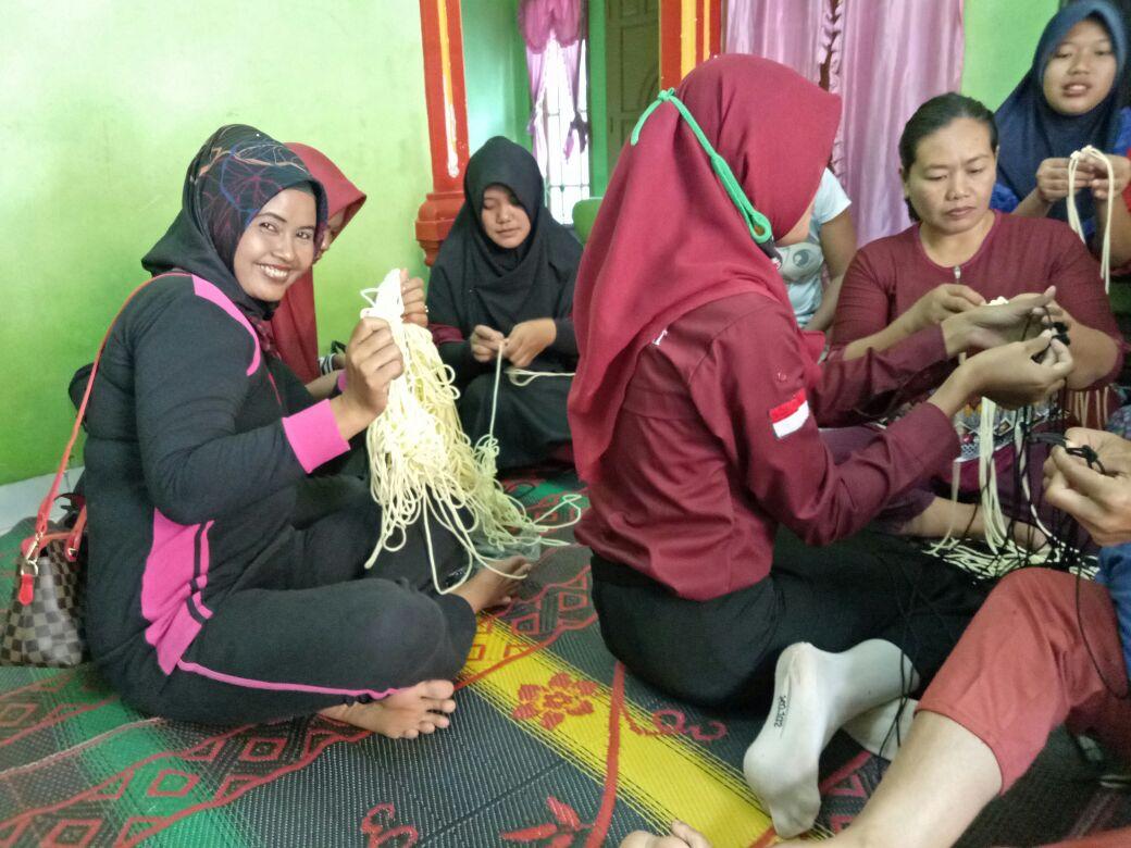 Kegiatan Organisasi Kartini di Desa Rejomulyo, Kecamatan Jatiagung, beberapa waktu lalu. (Foto:ist)