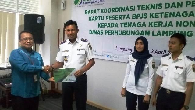 Dishub Lamteng Resmi Daftarkan 43 Tenaga Kerja Non Asn Sebagai Peserta Bpjs Ketenagakerjaan Intai Lampung