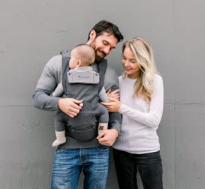 Award-Winning Children's book — Hugpapa Dial-Fit 3-In-1 Hip Seat Baby Carrier