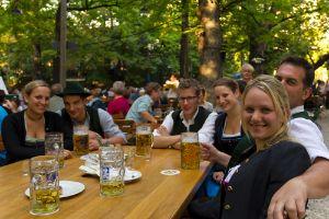 Ein kühles Bier unter Kastanien