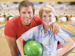 Auf der Bowlingbahn abräumen
