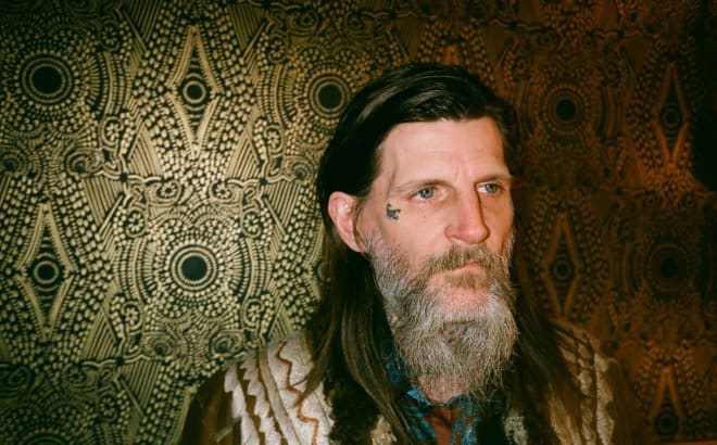 DYLAN CARLSON (EARTH) en tournée