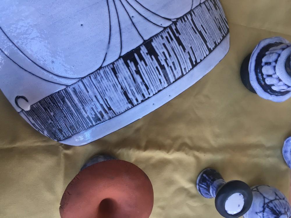 Emma Rissanens nytolkning av Harry Tilgmans keramikkonst