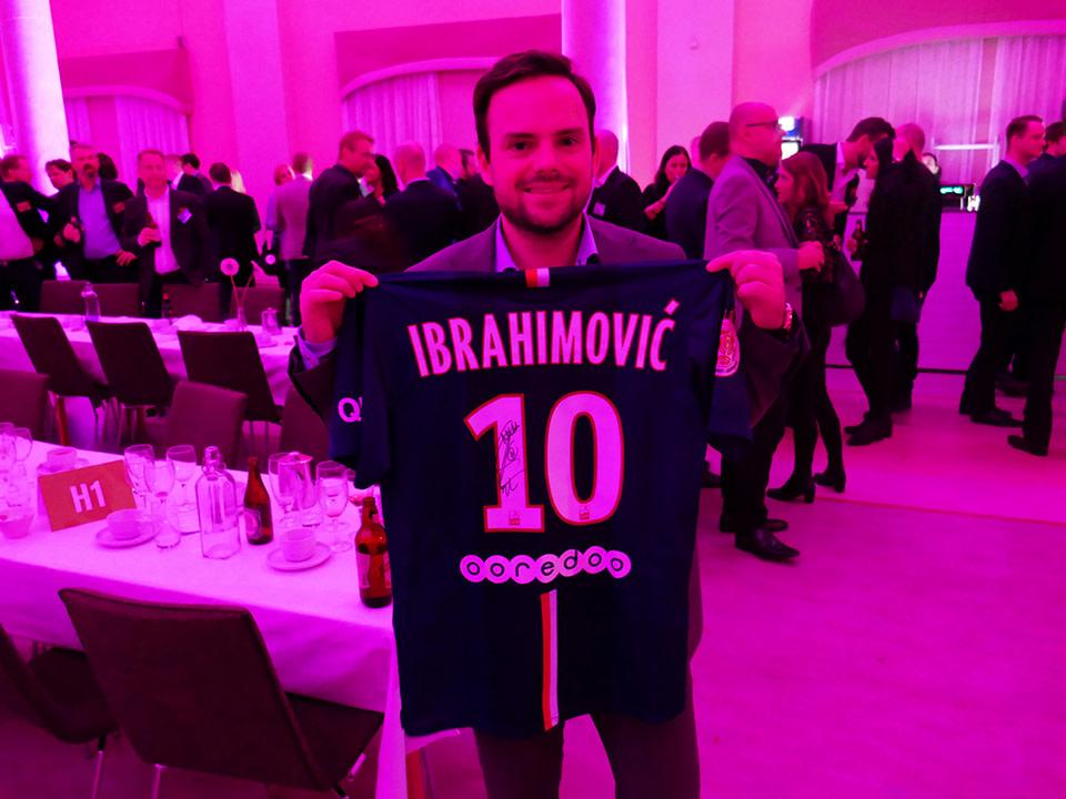 Cancerfonden fick 19 000 kr när Halon vann Zlatans tröja på välgörenhetsauktion 2