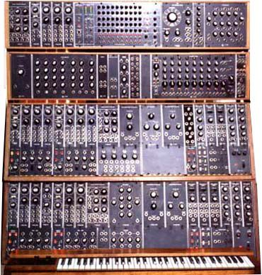 Moogs And Moogs Galore With Junip