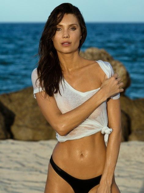 J And M Auto >> Next / Miami / Julia Pereira