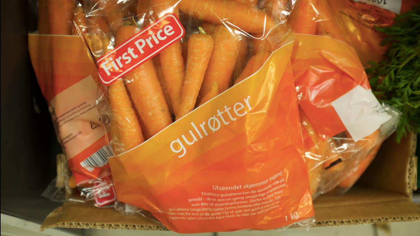 På forpakningen til First Price-gulrøttene står det følgende tekst: «Gulrøttene er lange, korte, tykke, tynne, krokete eller bøyde, men inni er de like gode.»