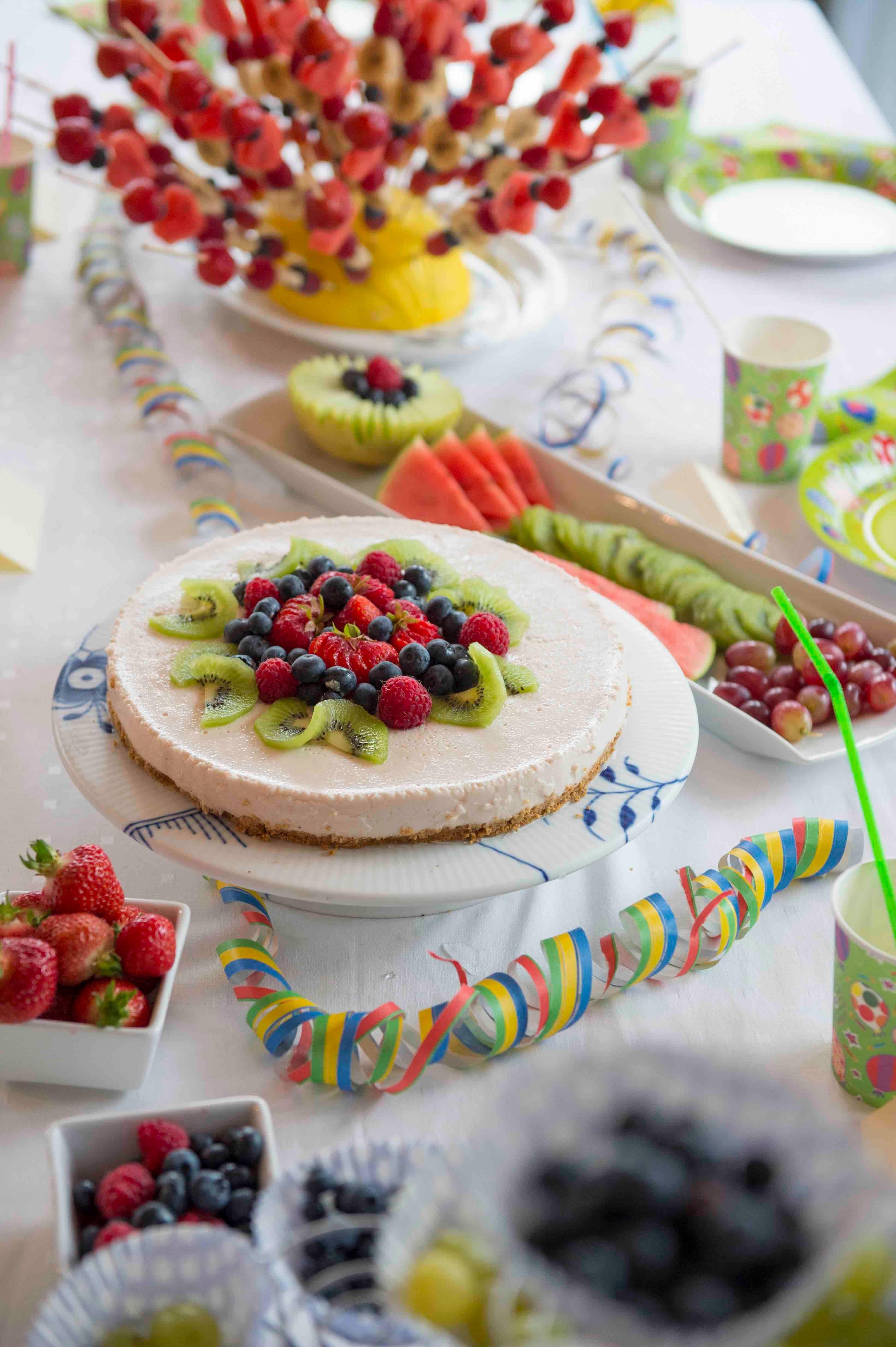 Lag et frukt-piggsvin til dessert!
