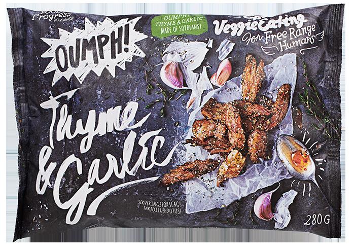 Oumph! Thyme & Garlic er biter av Oumph! som smaker nettopp rosmarin og hvitløk. Denne posen finnes i alle KIWI-butikker.