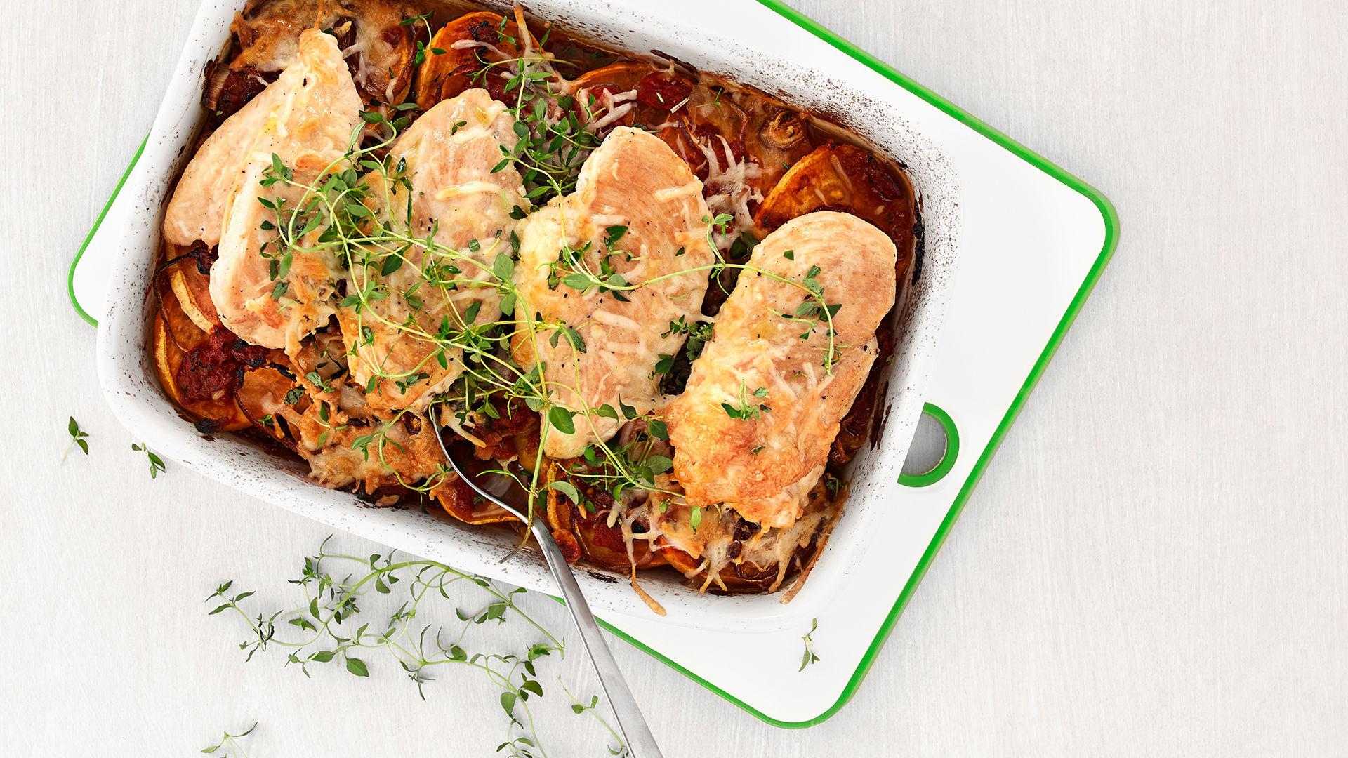 Kylling i ovn med tomatsaus og søtpotet