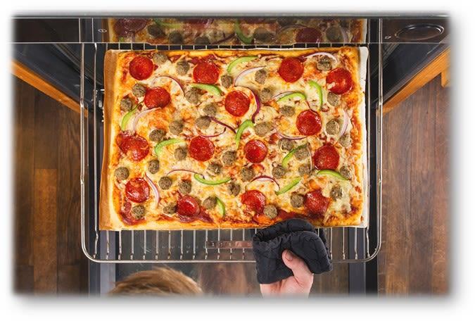 Hvorfor kjøpe dyr pizza ute, når du enkelt kan lage god og billigere pizza hjemme?