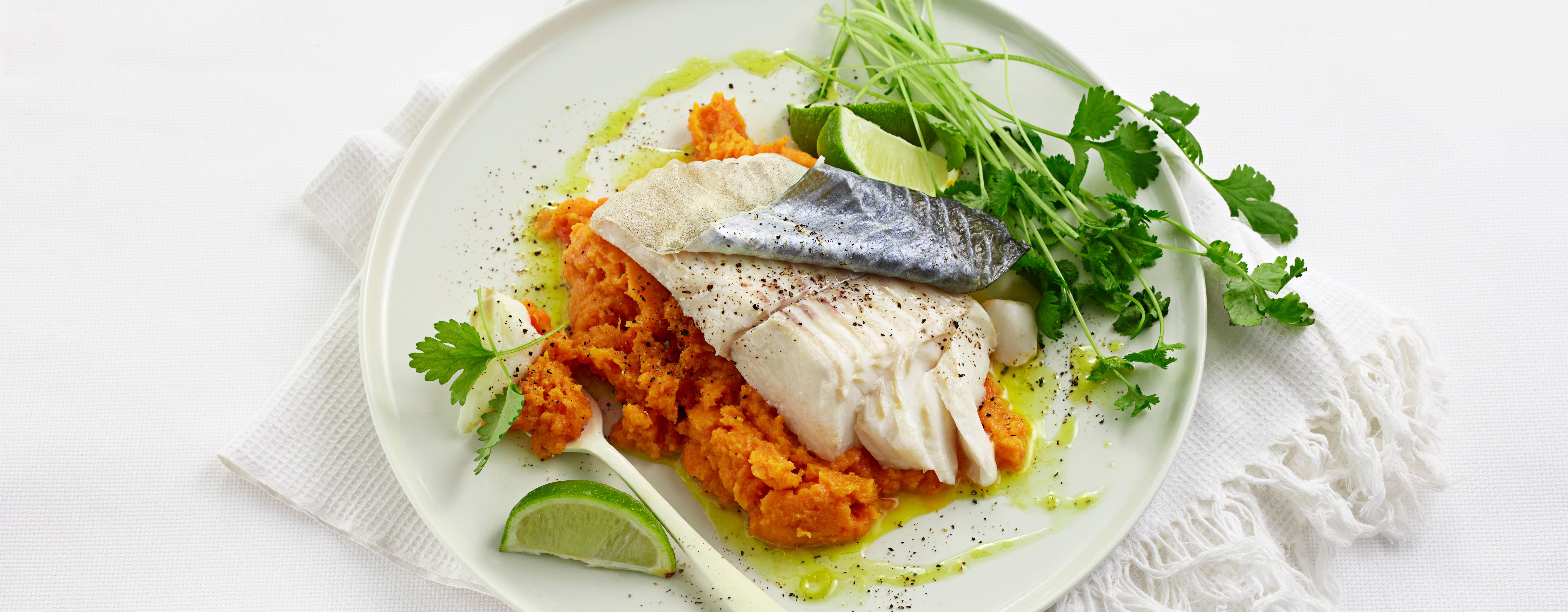 Fisk inneholder mye proteiner, som er viktig for muskeloppbygging og metter godt.