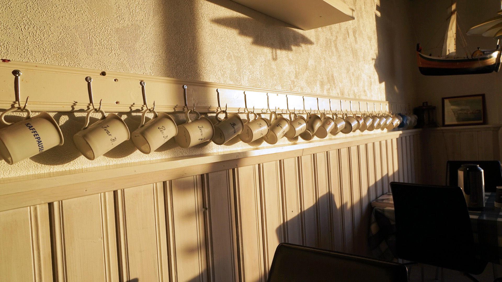 """I """"herrekroken"""" har alle firskerne sin egen kopp."""