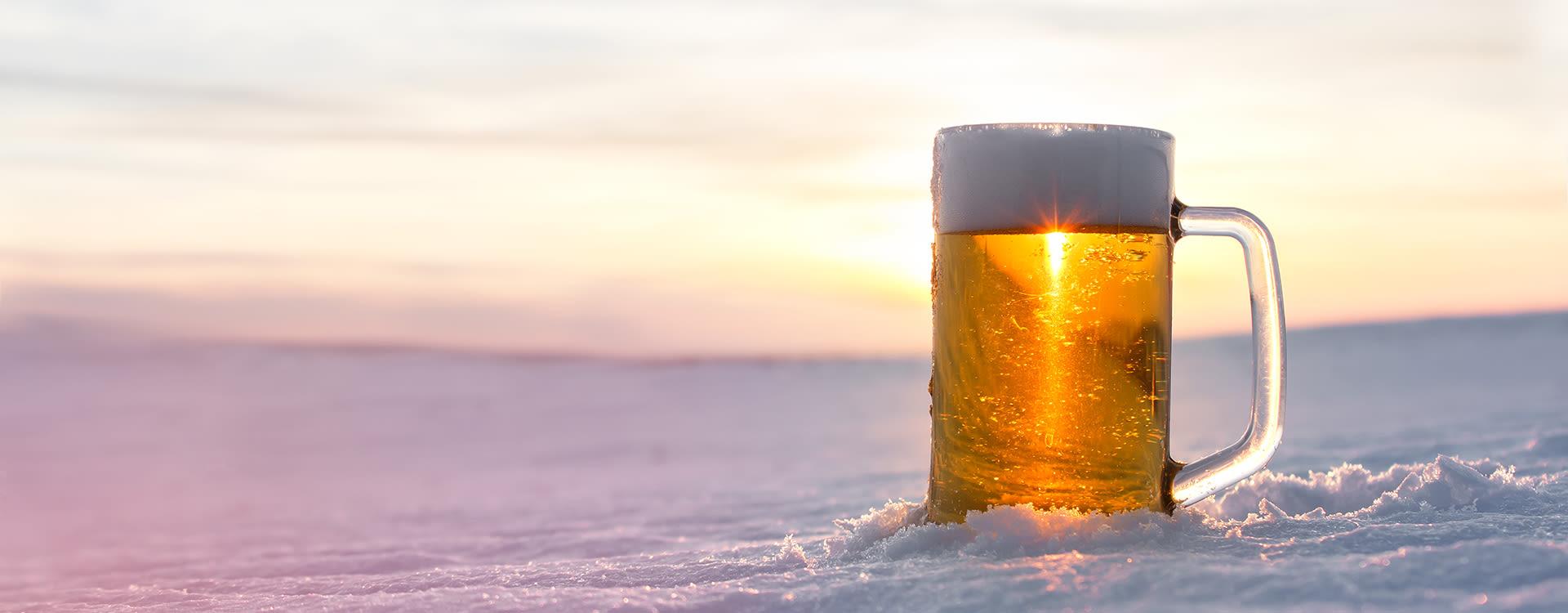 Øl-sommelier Amund Polden Arnesen er imponert over hvor godt alkoholfritt øl har blitt de siste årene.