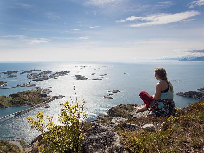 I Henningsvær får du alt, både fysisk aktivitet og avslapping.