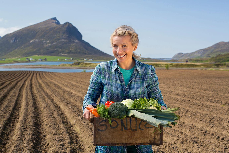 Tina er glad i norske grønnsaker nå om høsten. Ved å oppbevare det riktig, får også du større glede av maten.