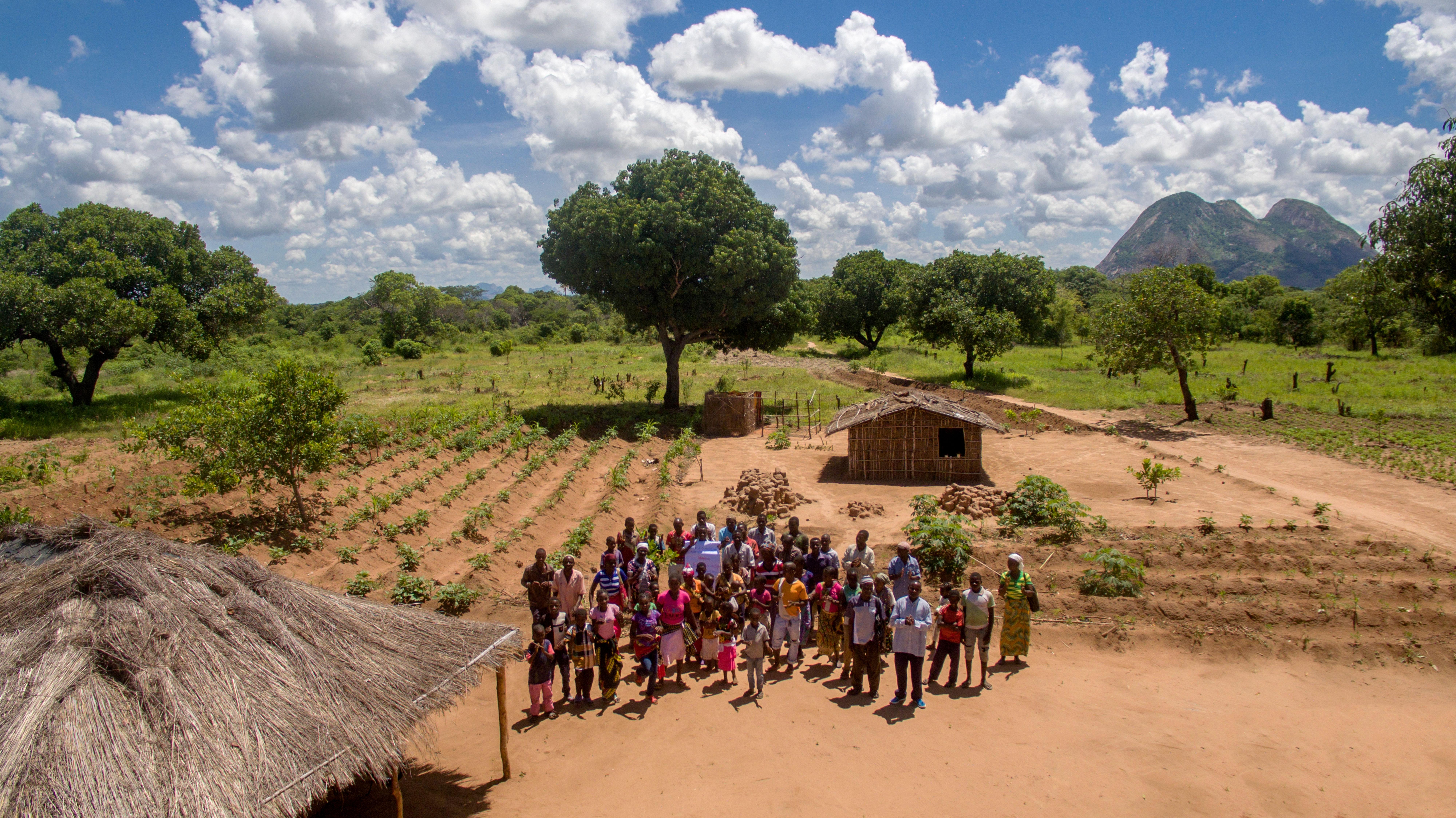 Her er noen av cashewbøndene fra en av landsbyene i Mosambik fotografert under et besøk i januar 2017.