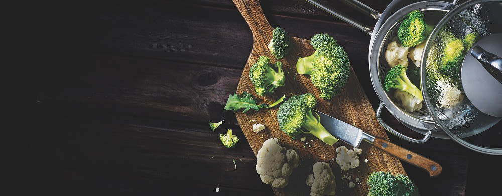 Brokkoli & blomkål-blandingen fra Findus trenger bare 6-7 minutter i stekepannen.