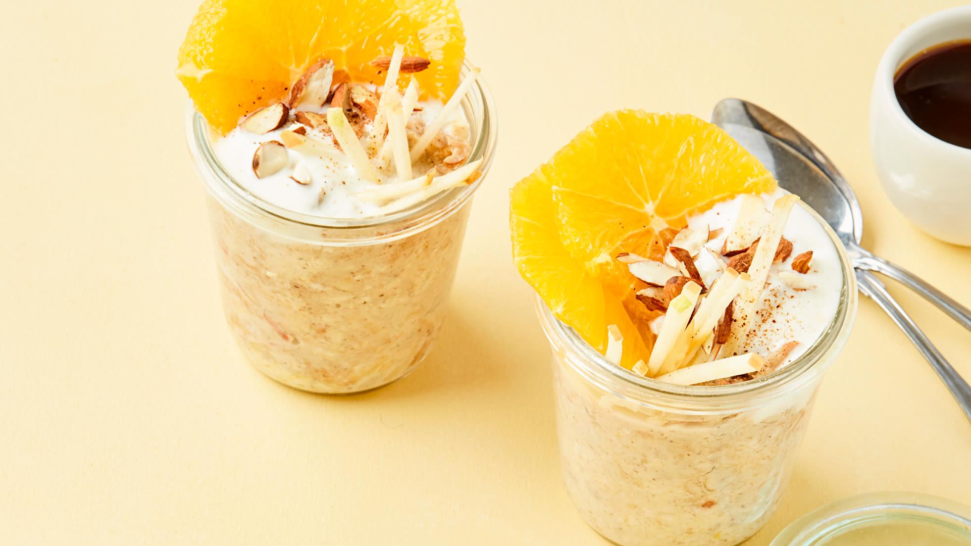FROKOST: Kjøleskapgrøt med sitrusfrukt og yoghurt er en perfekt frokost for kropp og hjerne.
