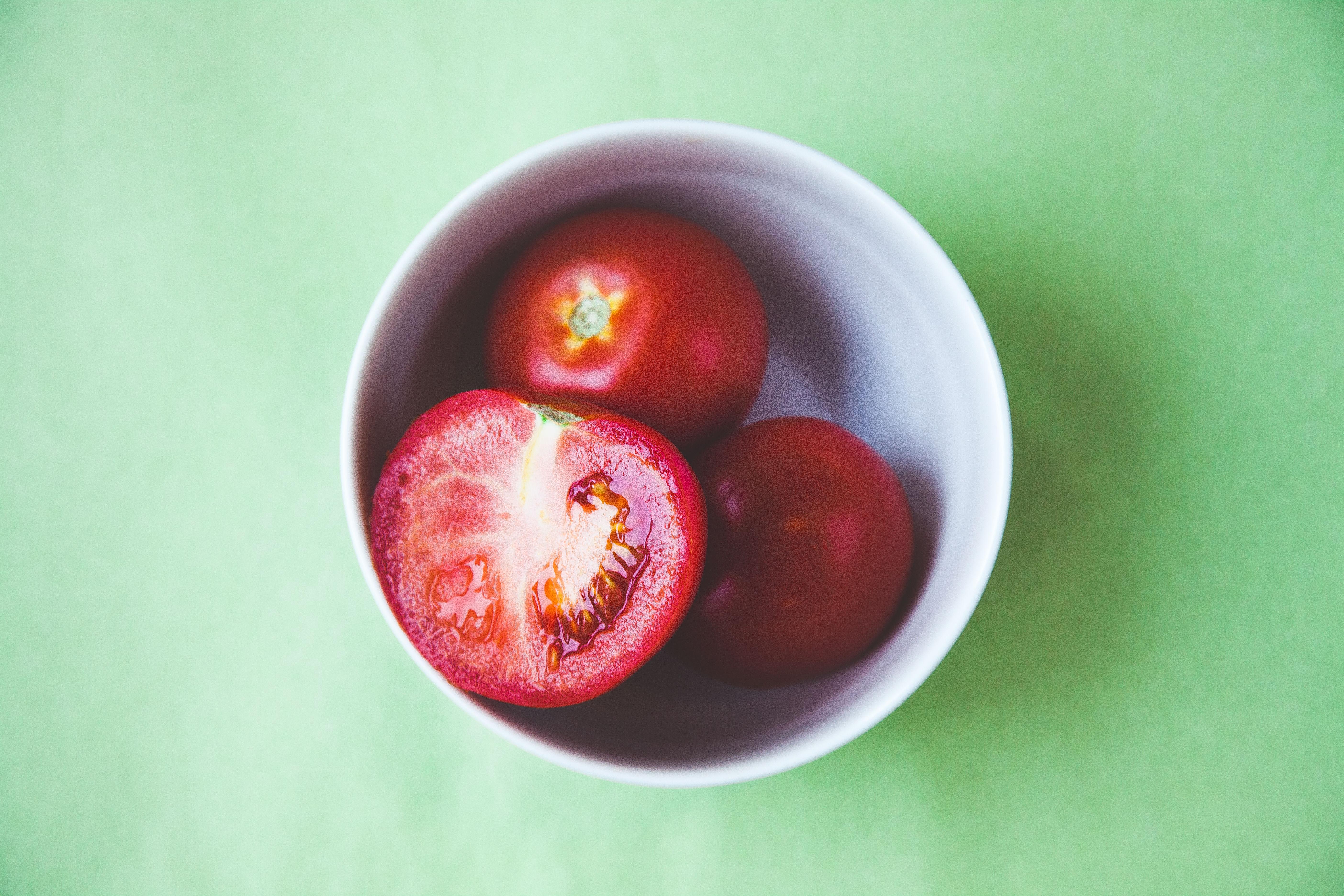 Tomater inneholder lykpoen som kan beskytte og reparere solbrent hud.