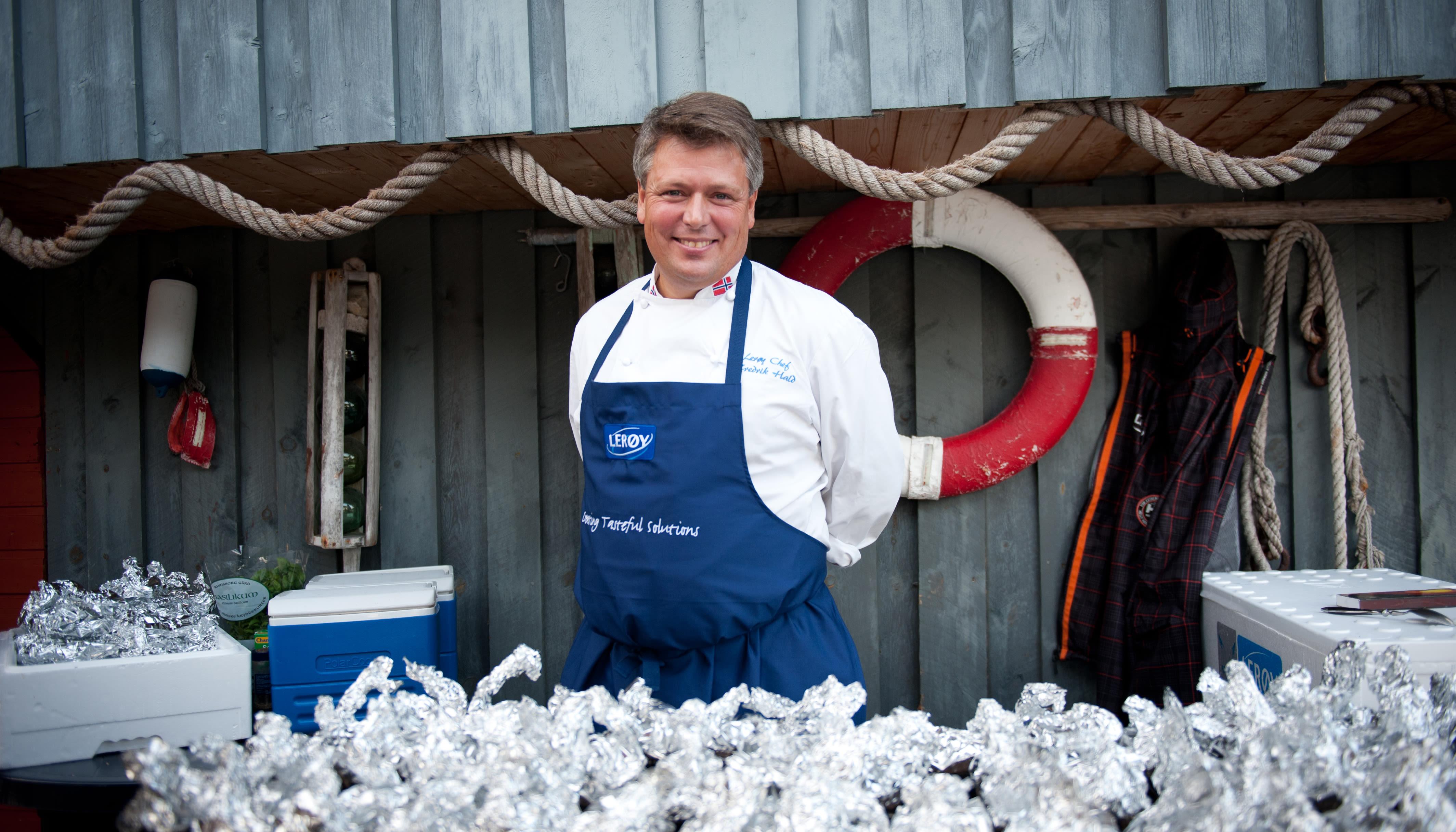 Fredrik Hald er produktsjef i Lerøy og griller fisk året rundt.