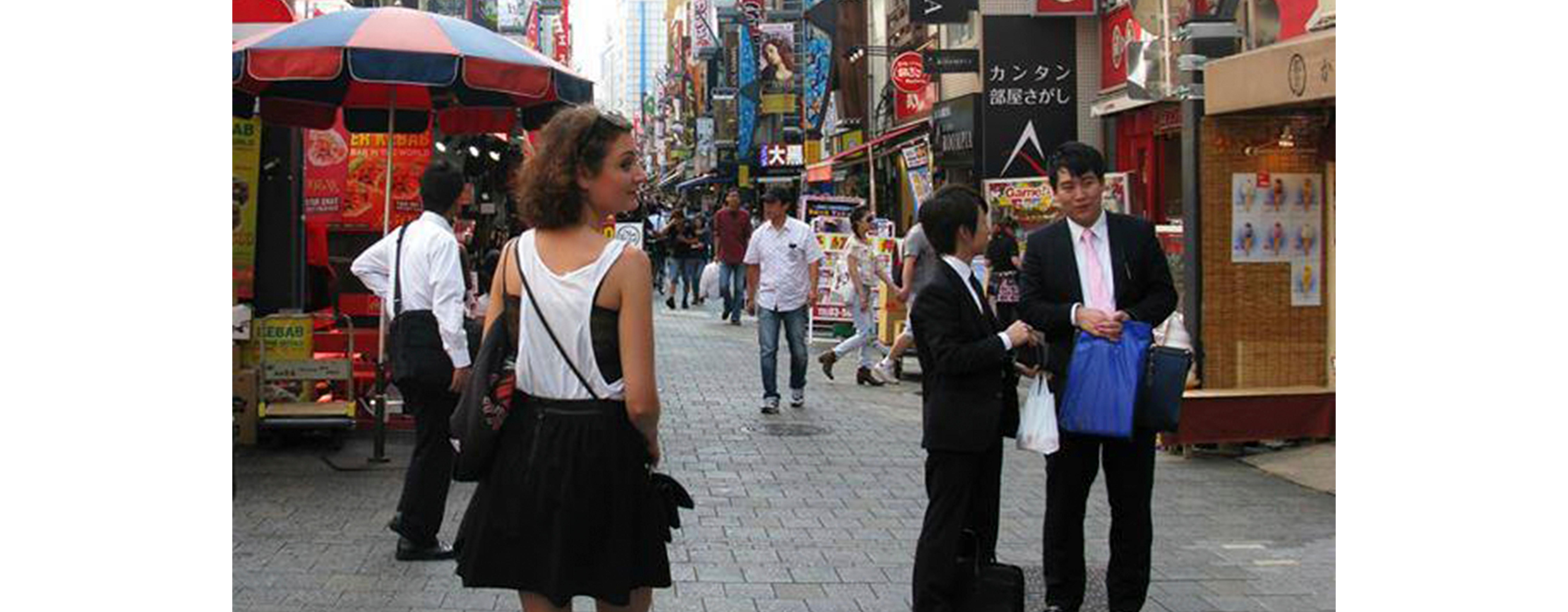 Turid fløy til Japan for bonuskronene hun sparte ved å handle fast på KIWI.