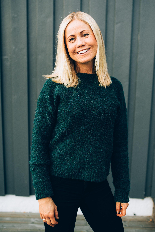 Ernæringsfysiolog Tine Sundfør slår et slag for havregrøten