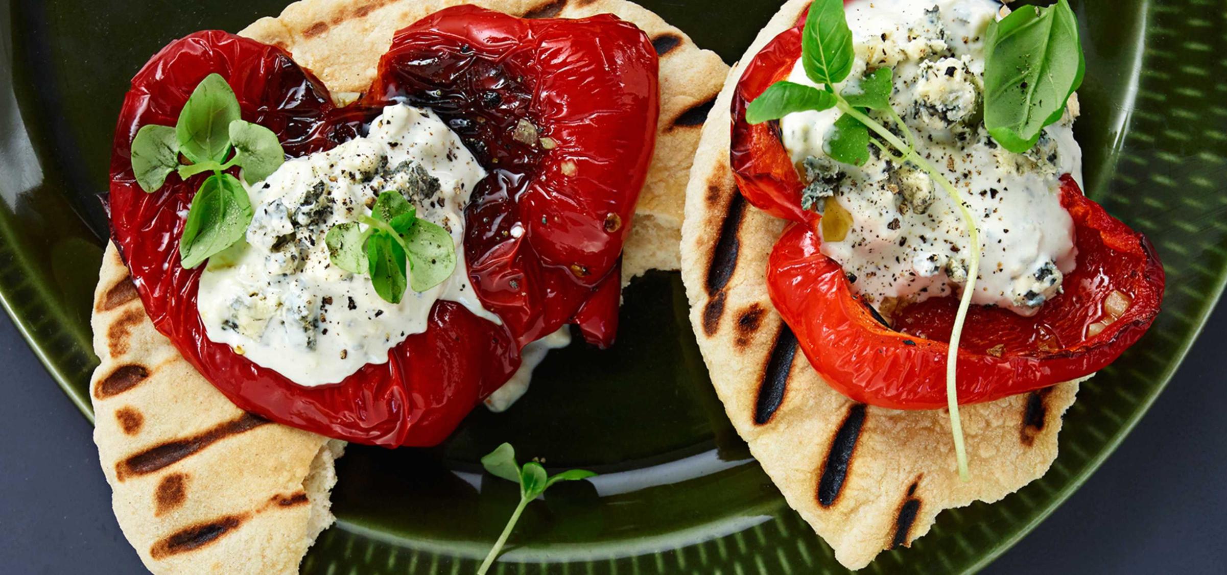 Helgrillet paprika i wrap eller pita, en garantert suksess.