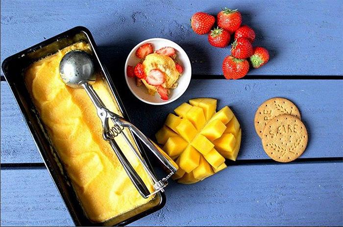 Superdigg, sunn og alt du ønsker deg! Mangoyoghurtis. FOTO: @frkmatvrak
