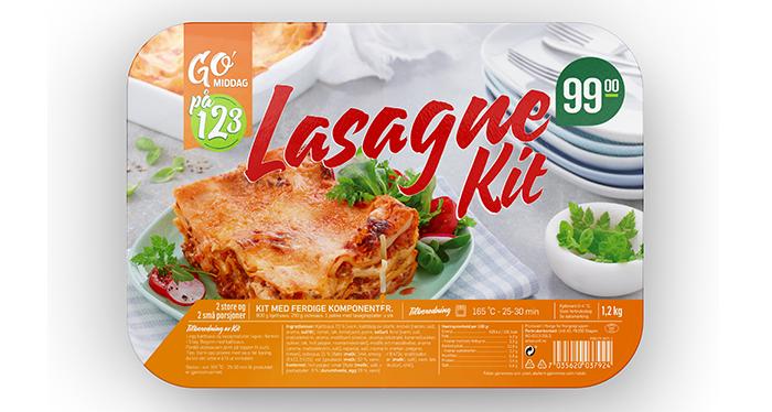 GO'middag 1,2,3 lasagne-kit til 99,90 kr hos KIWI. Ostesaus, kjøttsaus og lasagneplater legges lagvis i ildfast form og stekes hjemme.