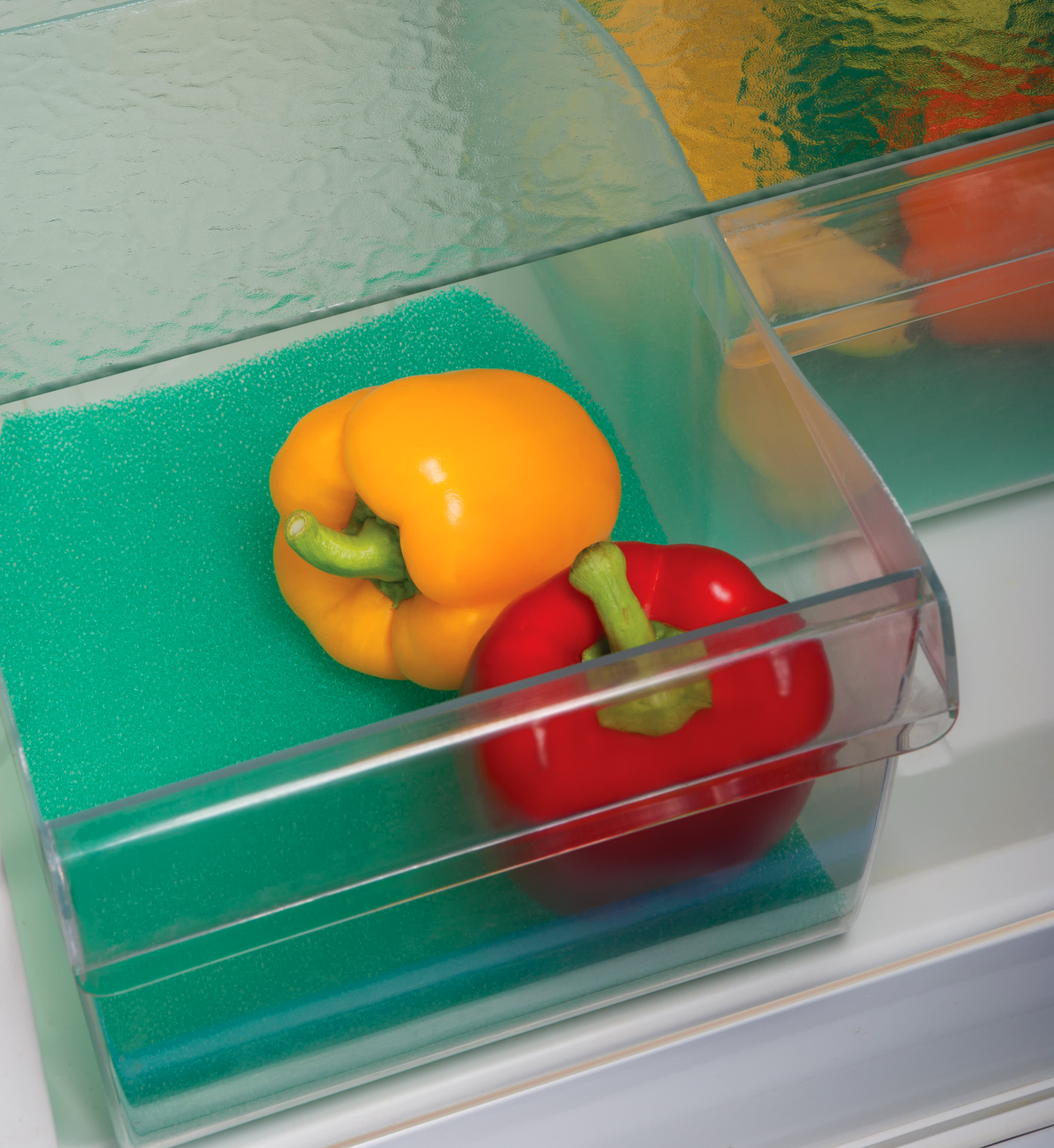 Grønnsaker kan fort glemmes i grønnsaksskuffen i kjøleskapet. Et godt tips er derfor ikke å kjøpe mer enn man planlegger å spise.