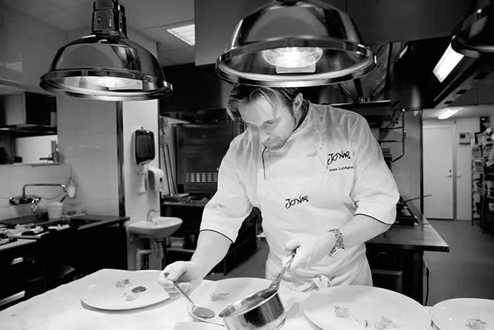 Jonas Lundgren har tidligere jobbet som kokk på restauranten Bagatelle i Oslo. Foto: Simon Bajada.
