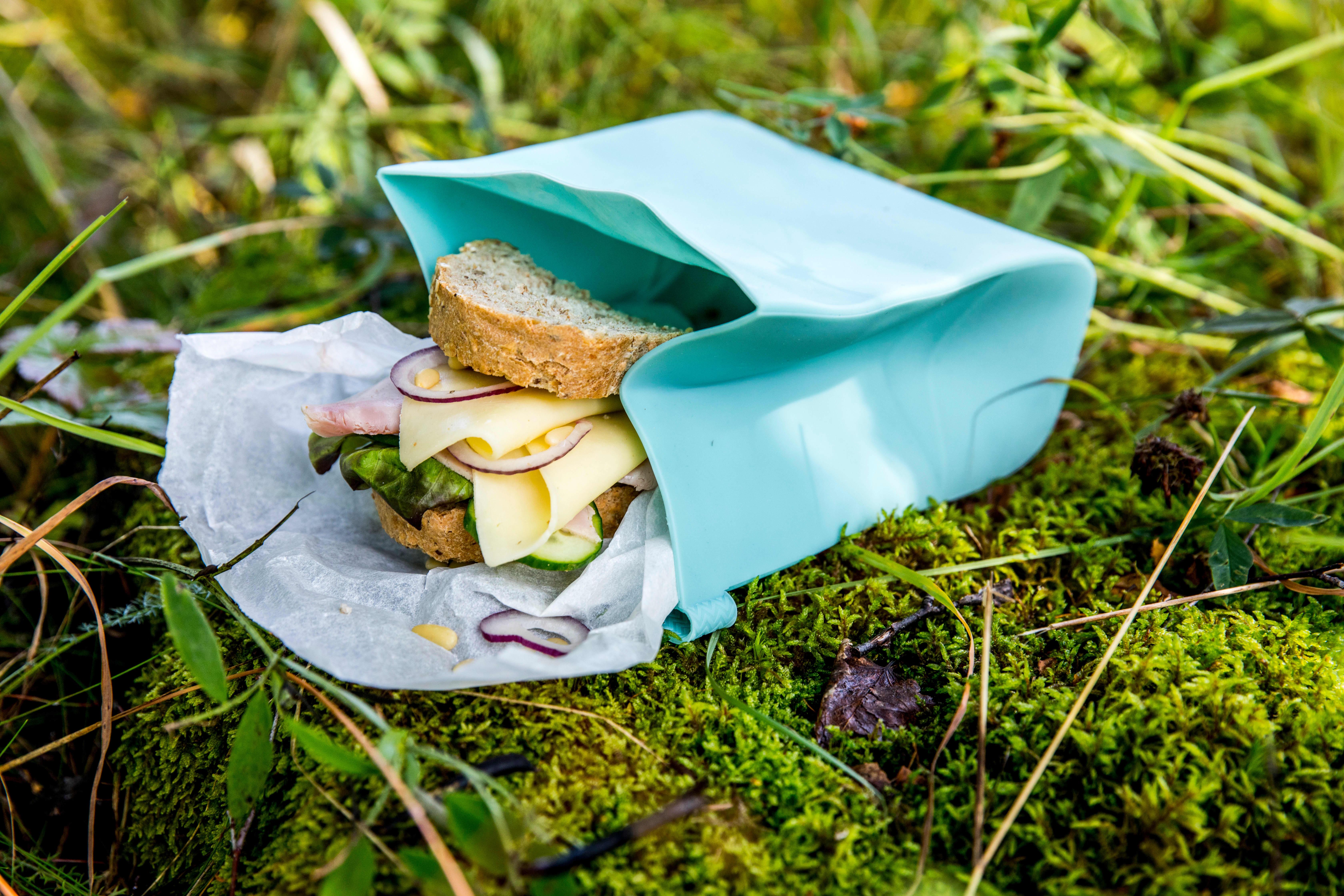 Grovt brød med sunt pålegg er perfekt mat til korte og lange turer. FOTO: Bakehuset