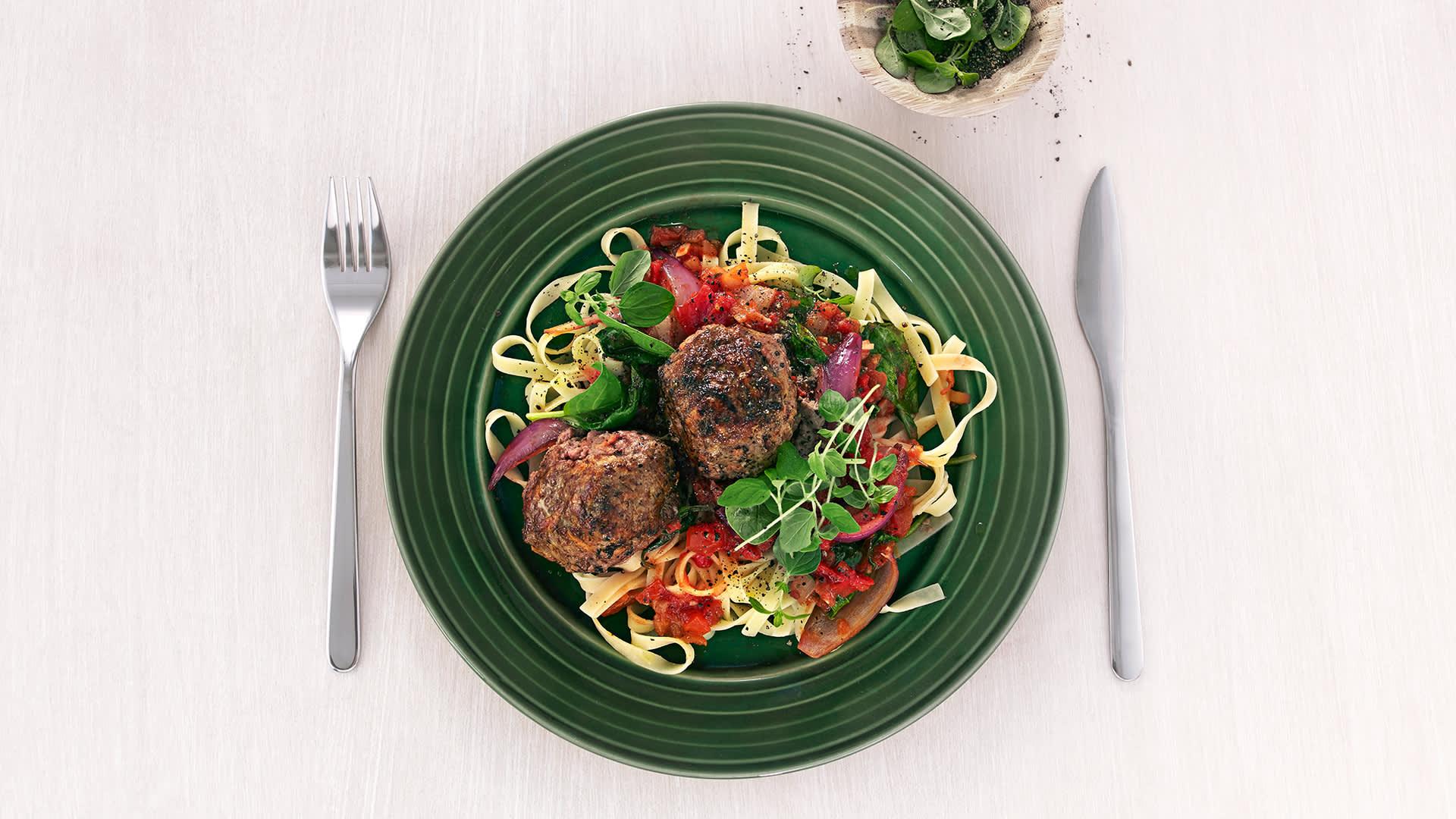 Karbonader med fetaost og pasta