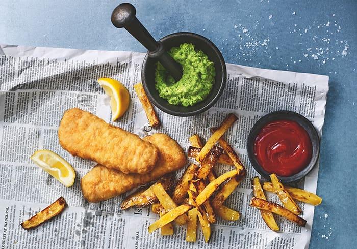 Oppskrift på ekte Fish and chips på britisk vis.