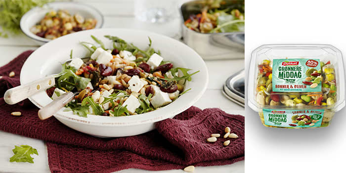 Med belgfrukter blir salaten et mettende og fullverdig måltid. Foto: Mills