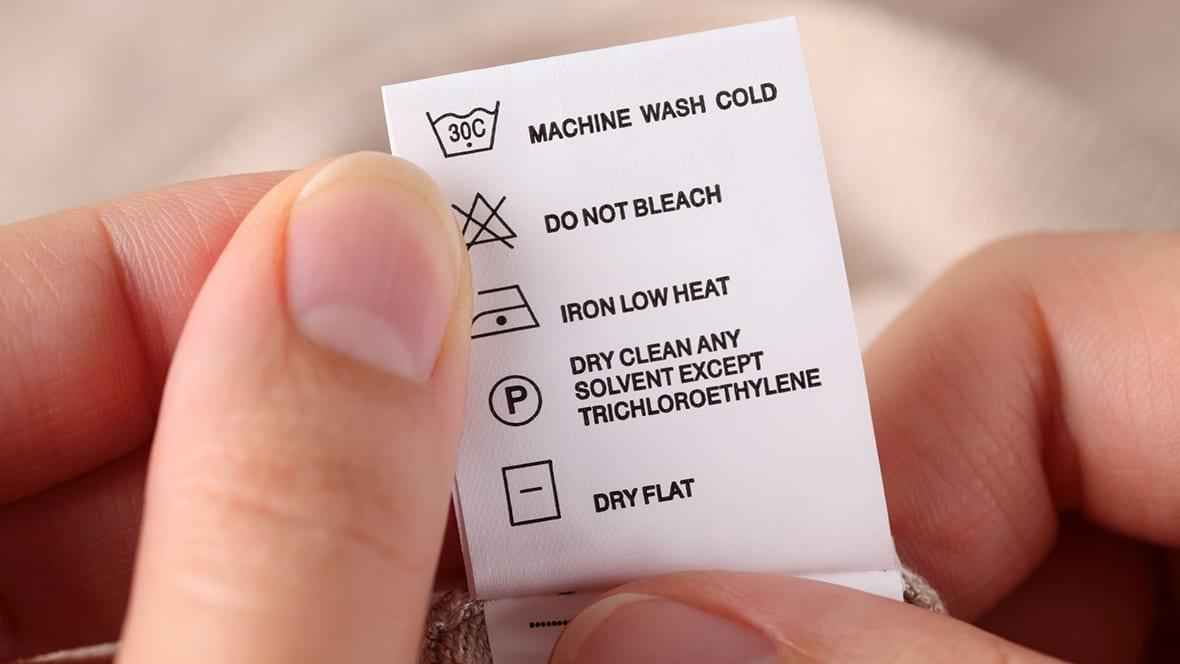 På denne vaskelappen er symbolene forklart - men det er ikke alltid man er like heldig.