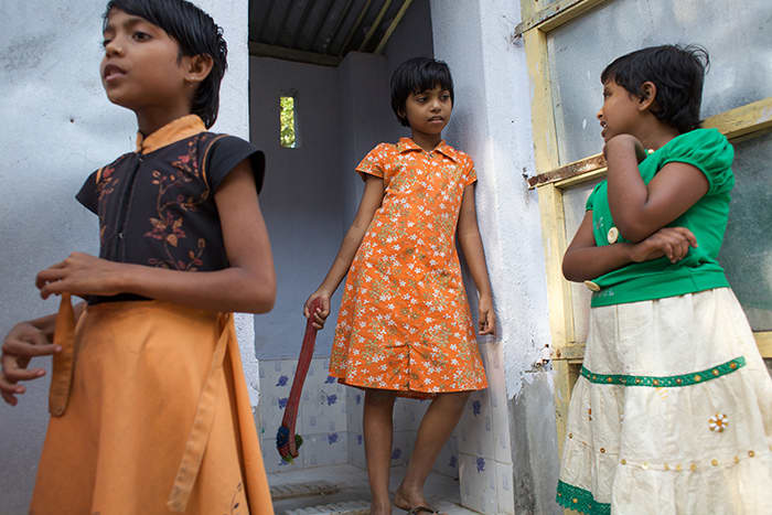 India er et av landene der skolebarn får tryggere sanitærforhold.