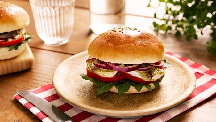 Sandwich eller smørbrød med pesto. Foto: Barilla