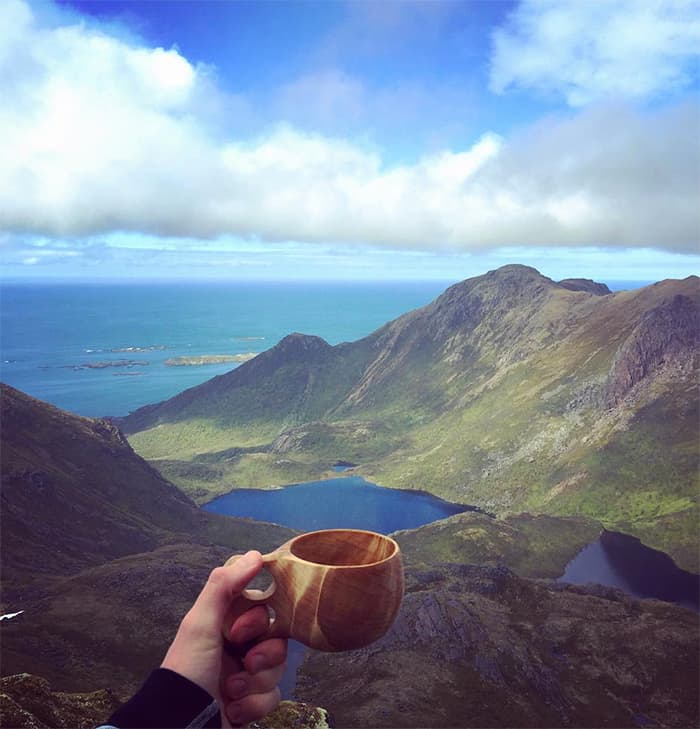 Coffee with a view. FOTO: @kimothyolsen