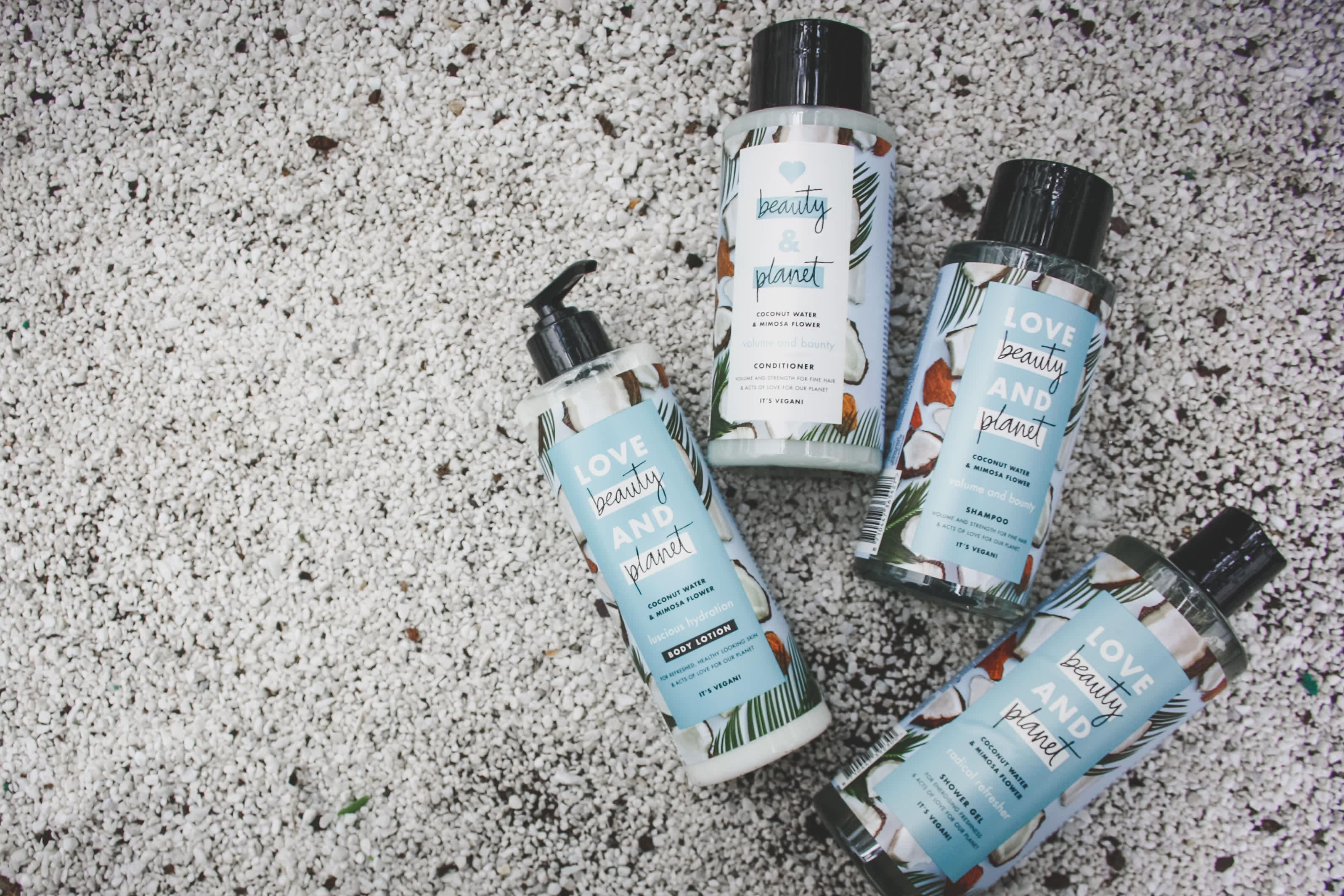 Love Beauty and Planet er laget med ekstra omtanke for både deg og planeten. Du får kjøpt disse produktene i alle KIWI-butikker.