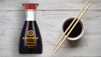 Kikkoman soyasaus tilfører matretten smaken av umami.